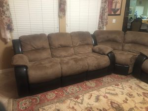 Sectional couch for Sale in Fresno, CA