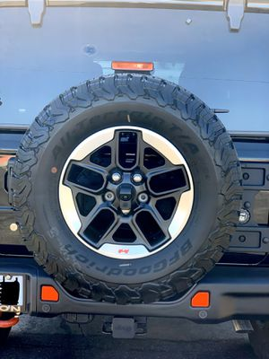 """17"""" Jeep Wrangler 2020 RUBICON OEM BLACK wheels and tires 1 viewed pe - $1500 (los angeles) for Sale in Los Angeles, CA"""