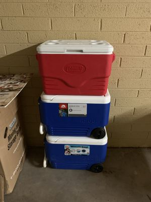 2 igloo rolling coolers and 1 coleman for Sale in Scottsdale, AZ