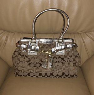 Coach signature Hampton bag for Sale in Pittsburg, CA