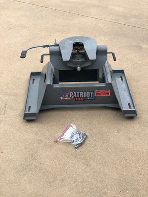 B&W fifth wheel hitch for Sale in Mineola, TX