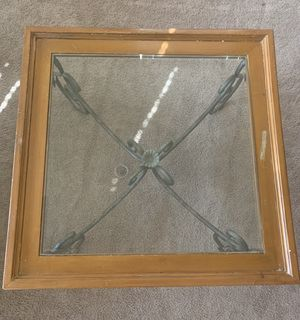 Glass Top Coffee Table! FREE! for Sale in Lancaster, CA