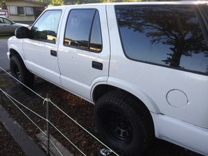 2005 chevy blazer for Sale in Zephyrhills, FL