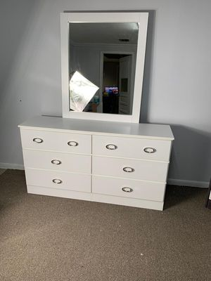 DRESSER WITH MIRROR BRAND NEW! for Sale in Miami, FL