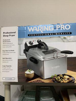 Warning Pro - deep fryer for Sale in Pembroke Pines, FL