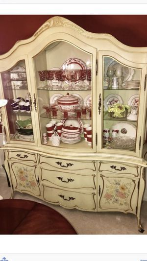 Antique China cabinet very good condition for Sale in North Royalton, OH