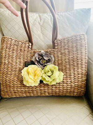 Large The Limited Handbag Summer Natural Basket Bag for Sale in Maple Valley, WA