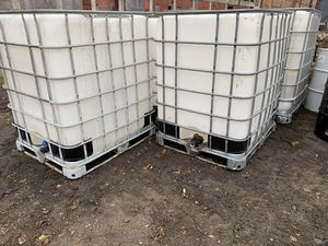 275 Gallon Containers for Sale in Grosse Pointe Park, MI