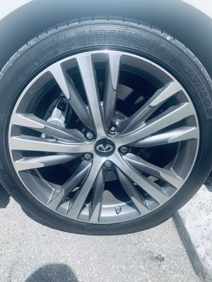 Looking for a similar rim Infiniti q50s 2018 3/-302-1499 for Sale in Miami, FL
