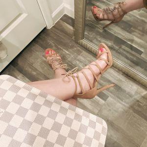 Heels Size 8 for Sale in Phoenix, AZ