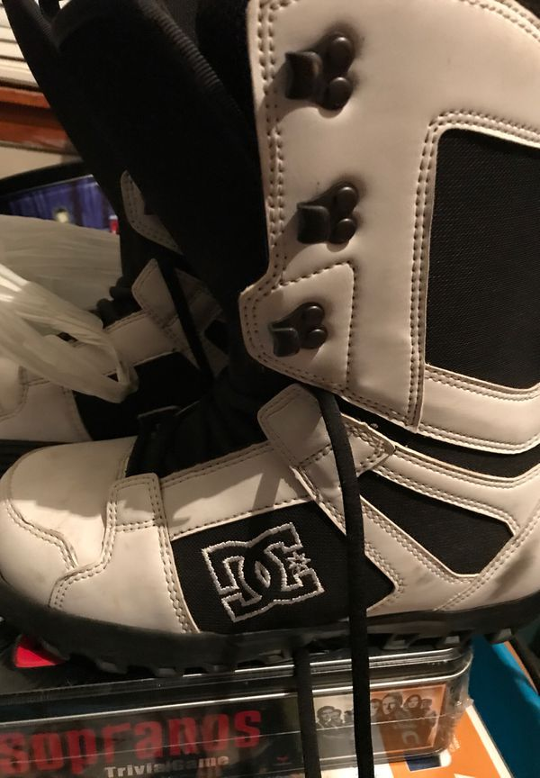 Dc snowboard boots white/black size 8.5