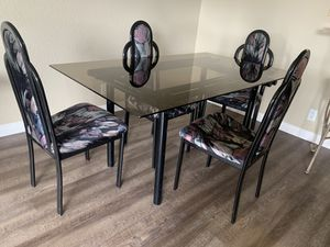 Glass table and chairs. for Sale in Glendale, CA