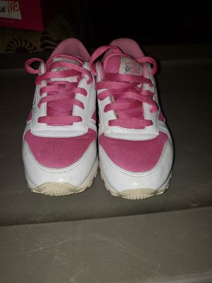 Pink and white Reebok classics. for Sale in North Ridgeville, OH