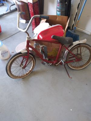 Schwinn antique kids bike trully old wth original white wall tires every thing is really original make offer its wrth $$$ PLZ NO LOWBALLN. for Sale in Fresno, CA