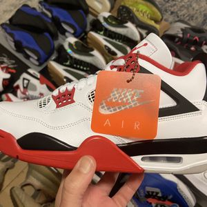 Air Jordan 4 Retro (2020) — Fire Red — Size 8.5 for Sale in Arlington, VA