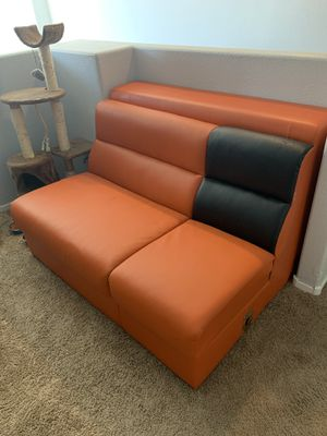 Couch and Ottoman for Sale in Las Vegas, NV