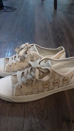Michael Kors Shell Toes Size 9 for Sale in Austin, TX