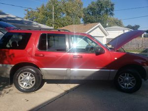 2002 mercury mountaineer V8 for Sale in Melrose Park, IL