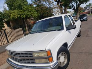 1993 chevy silverado for Sale in Fresno, CA