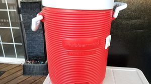 Rubbermaid drink cooler for Sale in Portland, OR