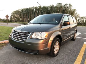 2010 Chrysler Town & Country LX for Sale in Orlando, FL