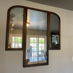 Antique wooden Mirror for Sale in Los Angeles, CA