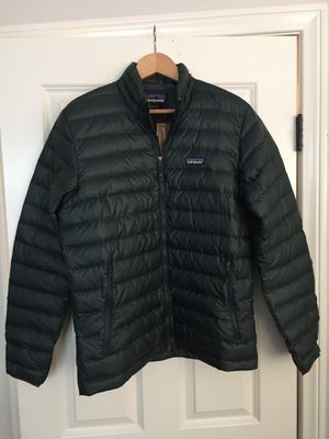 Brand new Patagonia jacket sweater puff for Sale in Irvine, CA
