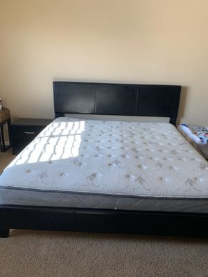 Bedroom set king size for Sale in Thornton, CO