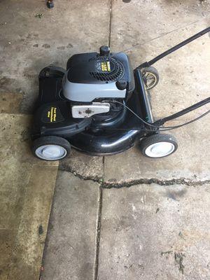 "Yard machines Lawnmower 6.25hp 21"" inch cut for Sale in Darien, IL"