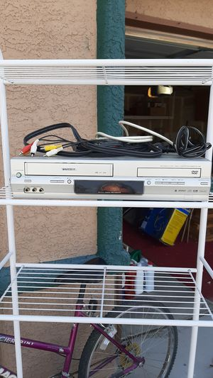 Preowned Toshiba DVD Video player/Video Cassette Recorder SD-V394 for Sale in Las Vegas, NV