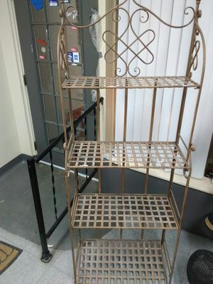 Iron Rustic Bakers Rack for Sale in Columbus, OH