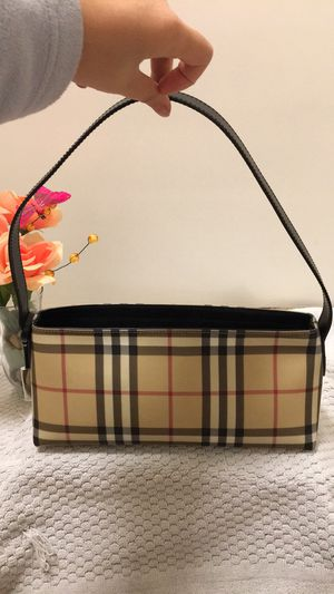 Authentic Burberry bag made in Italy for Sale in Richmond, CA