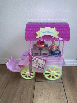 """New Glitter Girls Doll Flower Carriage for 14"""" dolls, no dolls included on carriage and all its accessories. for Sale in Chino Hills, CA"""