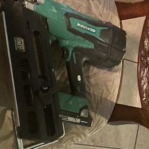 Gun Of Nails Without Charger Comes With Battery for Sale in North Las Vegas, NV