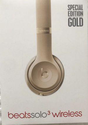 Beats Solo 3 Special Edition Gold for Sale in Miami, FL