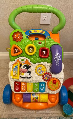 Free baby walker perfect shape for Sale in San Marcos, CA