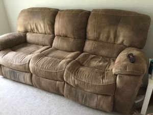 Light brown RECLINING couch for Sale in Georgetown, TX