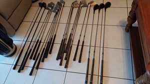 Golf club 10 left hand and 11 RIGHT hand andgolf bag for Sale in Pompano Beach, FL