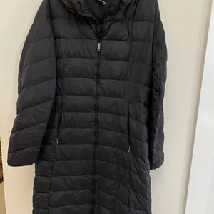 Patagonia Women's Lightweight Long Puffer Jacket, Size XL for Sale in Everett, WA