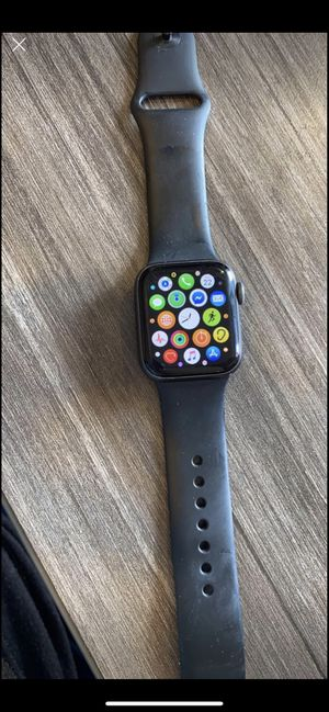 Apple Watch Series 4 40mm for Sale in Cleburne, TX