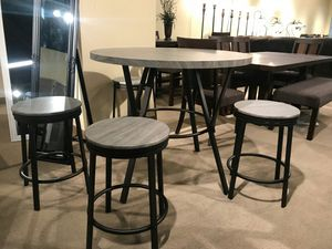 5-Piece Counter Height Dining Set for Sale in Fountain Valley, CA