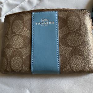 Coach wallet new never been used excellent condition for Sale in Maple Valley, WA