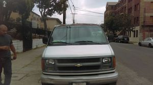 Chevy express 1998 for Sale in Los Angeles, CA