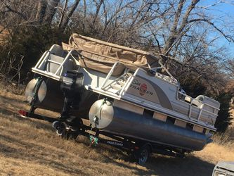 2003 party barge pontoon boat for Sale in Spencer,  OK