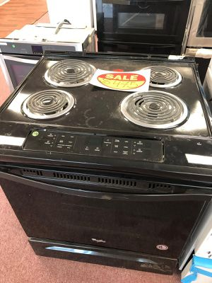 Electric stove coil whirlpool, slide in ,brand new, black Appliances depot (Comercial Blvd) for Sale in Fort Lauderdale, FL