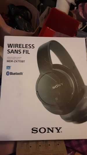 Sony wirelezz SANS FIL bluetooth headphones for Sale in Snohomish, WA