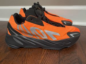 Yeezy MNVN 700 for Sale in Conway, AR