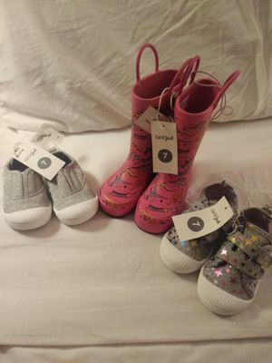 Size 7 girl shoes and rubber boots for Sale in Galt, CA