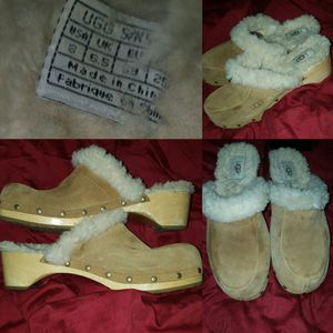 Chestnut suede clogs (Uggs) for Sale in Las Vegas, NV