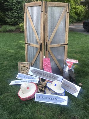 Western photo booth backdrop or party props for Sale in Gig Harbor, WA